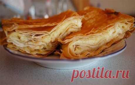 Очень простой и быстрый способ накормить всю семью вкуснейшим сырным пирогом!