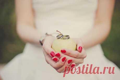Las tradiciones de boda: los regalos-sorpresas uno a otro - WeddyWood