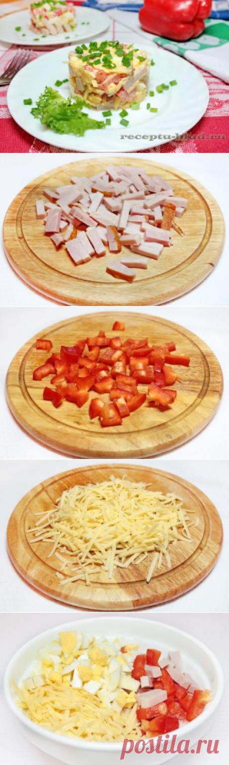 «La ensalada de hombre» con el jamón y el queso. La receta