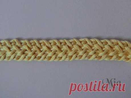 Плоский широкий шнур крючком