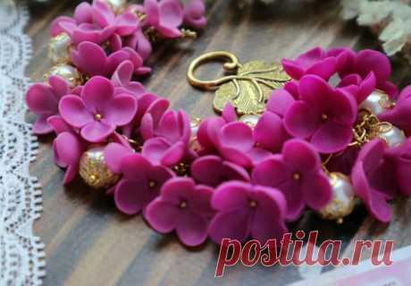 Браслет с цветами из полимерной глины – купить в интернет-магазине HobbyPortal.ru с доставкой
