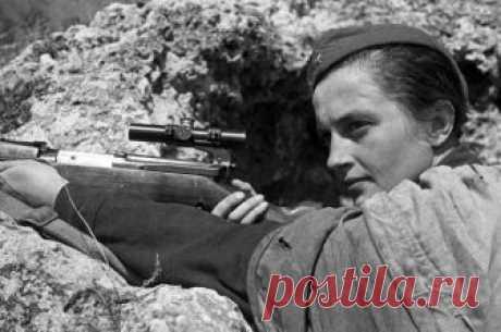 Война Людмилы Павличенко. Как студентка истфака убила 309 фашистов Самая результативная женщина-снайпер в истории Второй Мировой войны сумела остаться человеком.
