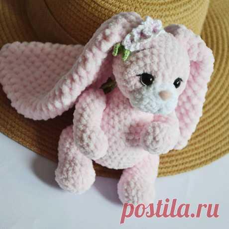 PDF Зайчонок Хлоя крючком. FREE crochet pattern; Аmigurumi animal patterns. Амигуруми схемы и описания на русском. Вязаные игрушки и поделки своими руками #amimore - заяц из плюшевой пряжи, плюшевый зайчик, кролик, зайчонок, зайка, крольчонок.