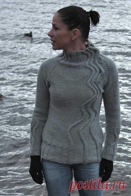 Интересный свитер с Равелри от автора Mari Muinonen бесплатно (на английском).