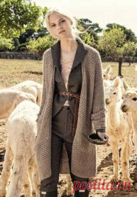 64cf7f5d54e Пальто с узором соты из альпаки Стильно пальто от Lana Grossa