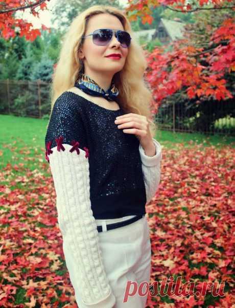 Как сделать блузку-пуловер с трикотажными рукавами Многим такое знакомо: лежат себе вещи в шкафу, долго лежат, которые вы давно уже не носите, но причин выкинуть их, не находите!А это значит, что нужно их достать и что-то с ними придумать, дать им нов...