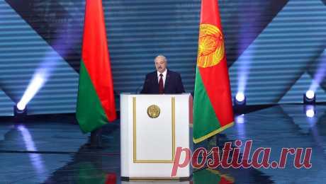 21.10.20--Лукашенко пообещал больше не баллотироваться в президенты Президент Белоруссии Александр Лукашенко на встрече с оппозицией в СИЗО пообещал, что больше не будет баллотироваться на пост главы государства. Об этом пишет РИА «Новости» со ссылкой на слова одного из участников встречи.