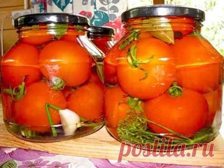 Как замариновать томаты на зиму Помидоры по этому рецепту получаются невероятно вкусные, съедаются тут же вместе с рассолом! Обязательно заготовьте на зиму несколько банок!