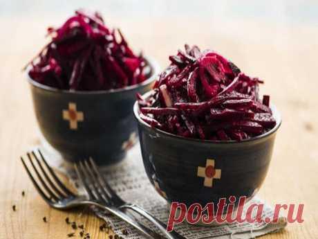 САЛАТ «КРАСНАЯ РОЗА» - САМЫЙ ВКУСНЫЙ И ЛЕГКИЙ САЛАТИК НА СКОРУЮ РУКУ Салат «Красная роза» это по — настоящему вкусный, пикантный, изысканный и быстрый в приготовлении кулинарный изыск. Практически все блюда, запеканки и