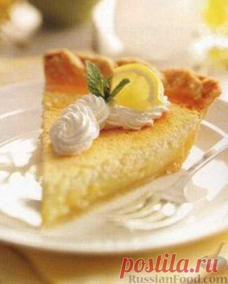 Рецепт: Лимонный пирог. Для приготовления этого лимонного пирога рецепт предлагает приготовить корж из песочного теста и наполнить его лимонной начинкой.