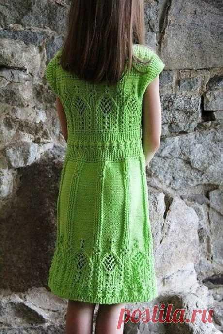 Красивые платье и пуловер одним узором