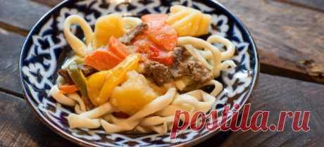 Кушаньем, которое с превеликим удовольствием съедят все домочадцы, является лагман – рецепт его невероятно прост, но позволяет получить блюдо с пикантным вкусом.