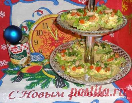Салат «До-ре-ми-фасоль». Ингредиенты: рыба копченая, картофель вареный, фасоль белая консервированная