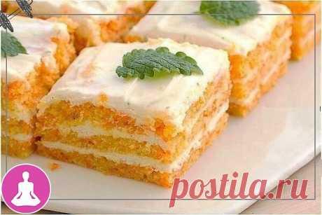 Легкое морковное пирожное - идеально для сладкоежек с тонкой талией!   Итого на 100 грамм - 126 ккал Б/Ж/У 7 / 4 / 16  Ингредиенты: Для коржа: - крупная морковь (250 г) - овсяная мука (молотые хлопья) 8 ст. л. - яичный белок 2 шт. - сахарозаменитель - кокосовая стружка 1 ст. л.  Для крема: - молоко обезжиренное 300 мл - яичный желток 2 шт. - творог обезжиренный 150 г - сахарозаменитель или мед по вкусу  Приготовление: 1. Взбить белки с щепоткой соли до белых пиков. Оставит...