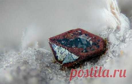 Целебные и магические свойства гематита: кому подходит камень