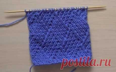 How to knit a pattern rhombuses spokes\u000a\u000aAll its singularity consists in a method of a vyvyazyvaniye of loops.\u000a\u000aAt once I want to tell that there is no scheme of a pattern, but I will try to give the clear description of a pattern.\u000a\u000aThe pattern rhombuses is universal, is very often used when knitting by spokes of various products.\u000a\u000aThis pattern perfectly will be suitable for knitting of sweaters, scarfs, hats etc. what your imagination will be enough for.\u000aHow to knit a pattern rhombuses spokes.\u000a\u000aThe rapport of a pattern consists of 10 items + 2 Krom.\u000aAfter gathered dostatochn...
