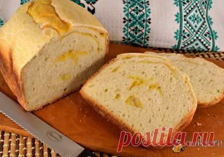 Хлеб на рассоле с сыром и чесноком в хлебопечке Хлеб на рассоле с сыром и чесноком в хлебопечке - замечательный хлебушек, который можно подать к супам, можно готовить с ним бутерброды. Хлеб изумительный, очень интересный и вкусный!
