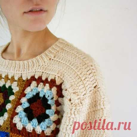 Пуловер с бабушкиным квадратом в основе