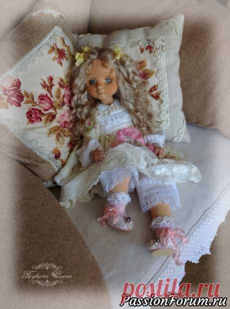 Коллекционная текстильная кукла.   Куплю-продам