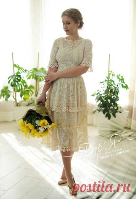 """""""Лала"""" шелковое вязаное крючком филейное платье с вышивкой   Мастер Дар'Я - стильная вязаная одежда Нежное и романтичное платье связано по авторскому эскизу из натурального шелка."""