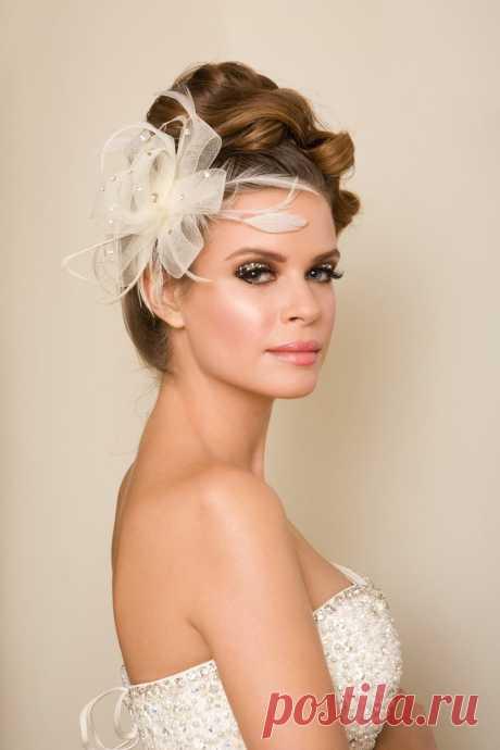 Свадебные прически на средние волосы 2021. Все тренды