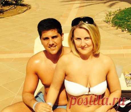 Вдова пересматривала свои старые фото с мужем и заметила на них одну важную деталь | Interesno.club