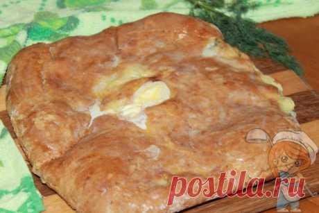 Осетинский пирог на кефире без дрожжей и без мяса Осетинский пирог на кефире без дрожжей. В середину положим картофельно-творожный наполнитель с зеленью. Начинка без мяса. Рецепт осетинского пирога по шагам