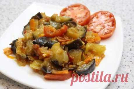 Овощное рагу – лёгкое в приготовлении, полезное всем независимо от возраста и состояния здоровья блюдо. Вариаций его множество, сочетаний продуктов масса. Рецепты для семейного обеда и вкусного ужина. Рагу без мяса Рагу бывает вегетарианское и мясное. Этот рецепт для тех, кто предпочитает овощи
