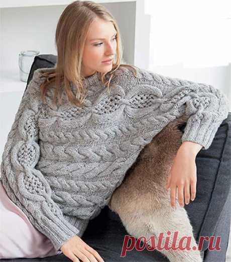 Пуловер-кимоно с ажурным узором и косами