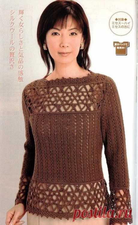 Пуловер крючком с ажурной вставкой