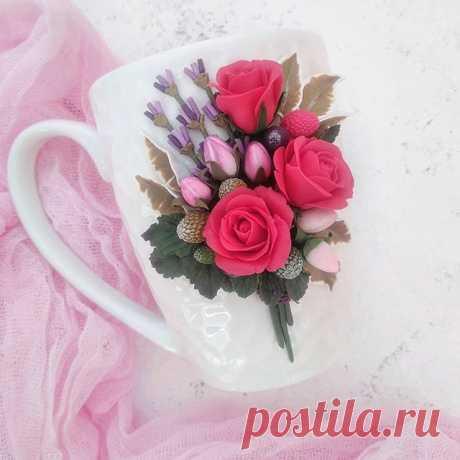 Photo by КРУЖКИ С ДЕКОРОМ. ПОДАРКИ in Naberezhnyye Chelny. На изображении может находиться: цветок