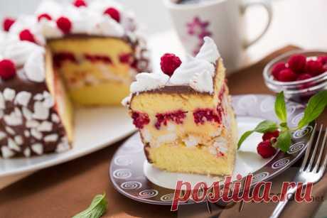 Бисквитный торт с малиной, безе и масляным кремом — wowcook.net