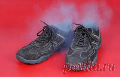 Простое средство от пахнущей обуви | Делимся советами