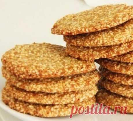 The crackling sesame cookies