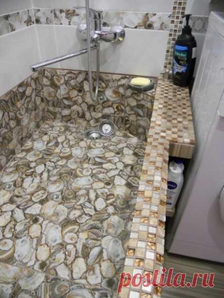 Этот парень сделал очень оригинальный ремонт ванной комнаты минимума средств. Теперь я также хочу такую ванну. » Sam-Sdelay.RU – Сделай сам!