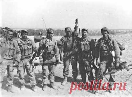 Зачем спецназовцы ГРУ носят с собой шёлковый платок - Любители истории - медиаплатформа МирТесен