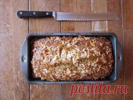 Цельнозерновой хлеб  Ингредиенты:  Геркулес — 1 стакан  Цельнозерновая (или обычная) мука — 1 стакан Разрыхлитель — 2 ч.л.  Соль — 1/2 ч.л. Мед — 1 1/2 ст.л. Растительное масло — 1 ст.л.  Молоко — 1 стакан   Приготовление:  1. Разогрейте духовку до 230 С. Сделайте это до того, как начнете замешивать тесто! 2. Измельчите овсянку в кухонном комбайне или кофемолке (желательно, но не обязательно). В большой миске смешайте овсяные хлопья, муку, разрыхлитель и соль.  3. В другой...