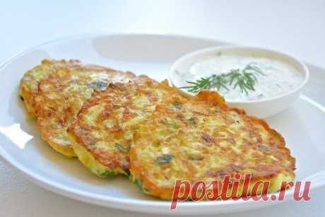 Оладьи из кабачков с сыром и чесноком — Sloosh – кулинарные рецепты