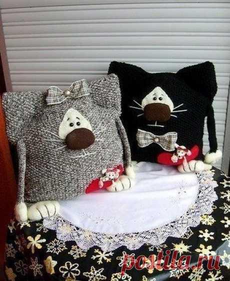 Забавные тёплые кото-подушки