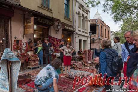 В Тбилиси нет смысла куда-то спешить - Старость меня дома не застанет! — ЖЖ