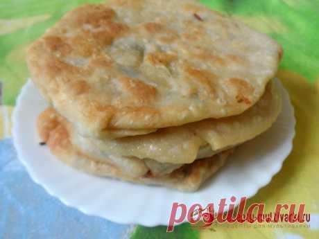 Молдавские плацинды с картошкой в мультиварке - рецепт