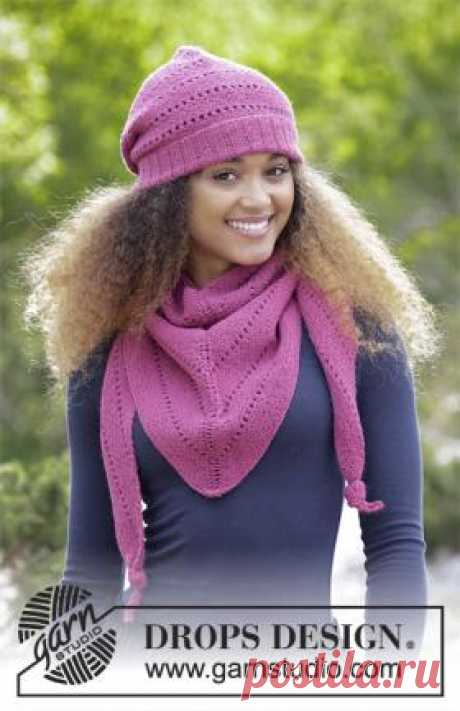 Комплект очень ягодный Простой комплект спицами на каждый день для женщин, связанный из тонкой мериносовой шерсти. Вязание шапки и бактуса выполняется платочным узором...