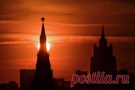Названа главная угроза дляРоссии Польский политолог Павел Семмлер назвал самые серьёзные террористические угрозы дляРоссии. Винтервью изданию Onet онрассказал, чтоглавную проблему дляРоссии сейчас представляют боевики вСирии.