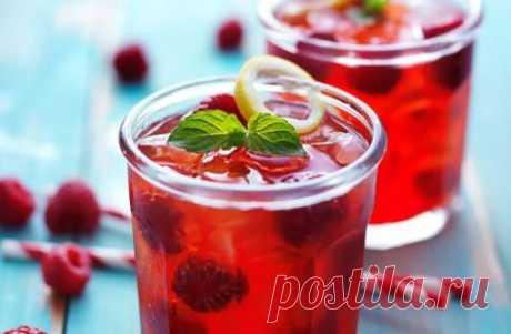 Рецепты напитков с малиной и из малины, освежающие коктейли, летний квас, домашний лимонад, напитки из малины и других ягод и фруктов для удаления жажды в жаркие дни.