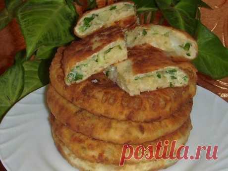 Как приготовить сырные лепёшки с зеленым луком - рецепт, ингредиенты и фотографии