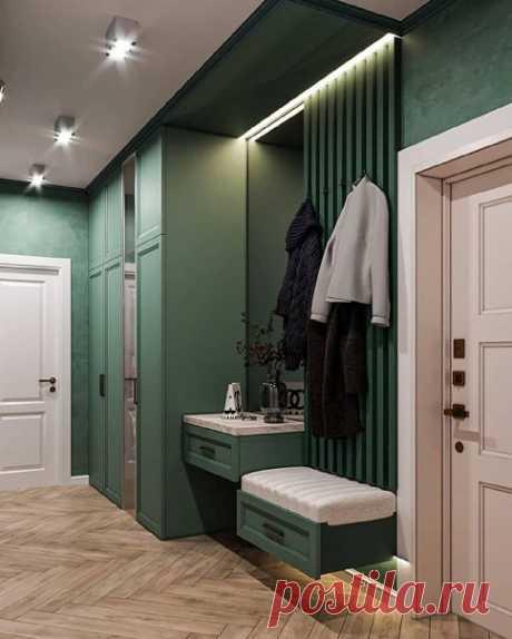 Зеленый цвет - глубокий и стильный. Прихожая смотрится стильно.