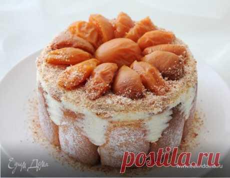"""Шарлотка с английским ванильным кремом. Ингредиенты: яйца куриные, сахар, мука Нежнейший десерт, окруженный """"дамскими пальчиками"""", с начинкой из англиского крема, который по вкусу напоминает не холодное мороженое... Блаженство!!!:) Подавать можно с любым ягодным джемом или соусом..."""