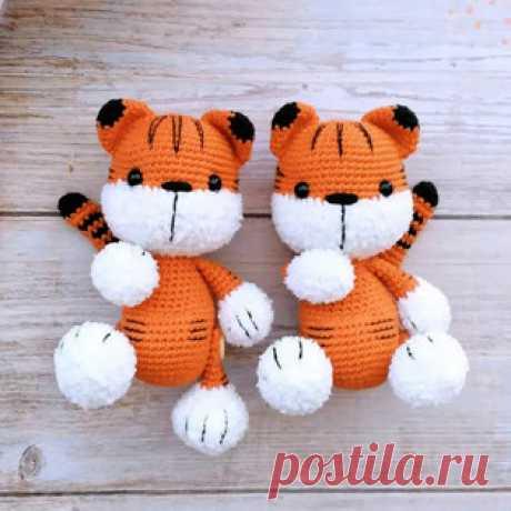 Малыш тигрёнок амигуруми. Схемы и описания для вязания игрушек крючком! Бесплатный мастер-класс от Юлии Россамахиной по вязанию малыша тигрёнка крючком. Высота вязаной игрушки примерно 16 см. Для изготовления такого тигра…