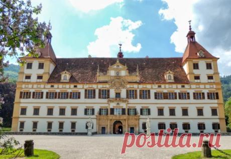 Аристократический шик и павлины дворца Эггенберг. Грац, Австрия