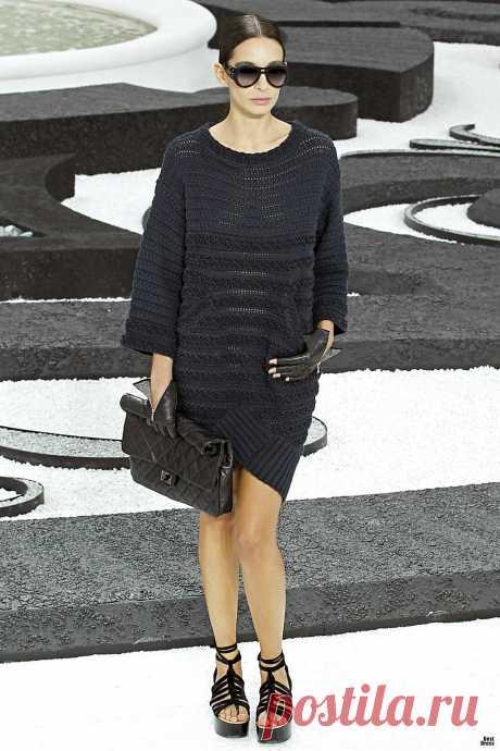 Красота в простоте - платье и костюм от Chanel..